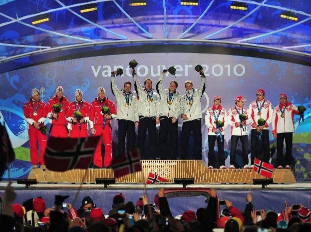 Олимпиада 2010. Биатлон. Эстафета. Мужчины. Церемония награждения.
